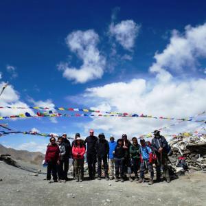 On top of KongMaru La (5130m) with Kang Yatse massif in the background.