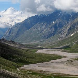 The view of the vast valley of Miyar
